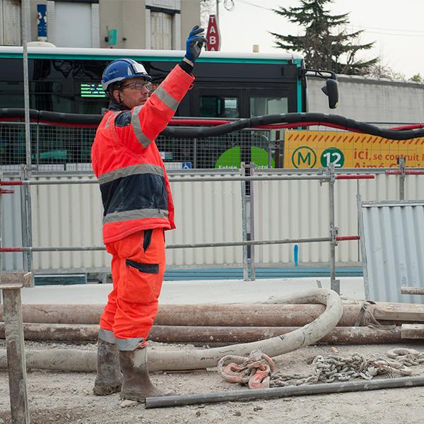 Collaborateur sur le chantier du prolongement de la ligne 12 - Aline Boros
