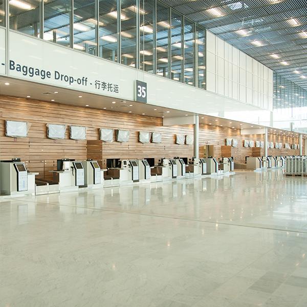 Vue intérieure d'Orly 3 à l'aéroport de Paris-Orly - Crédit : Aline Boros