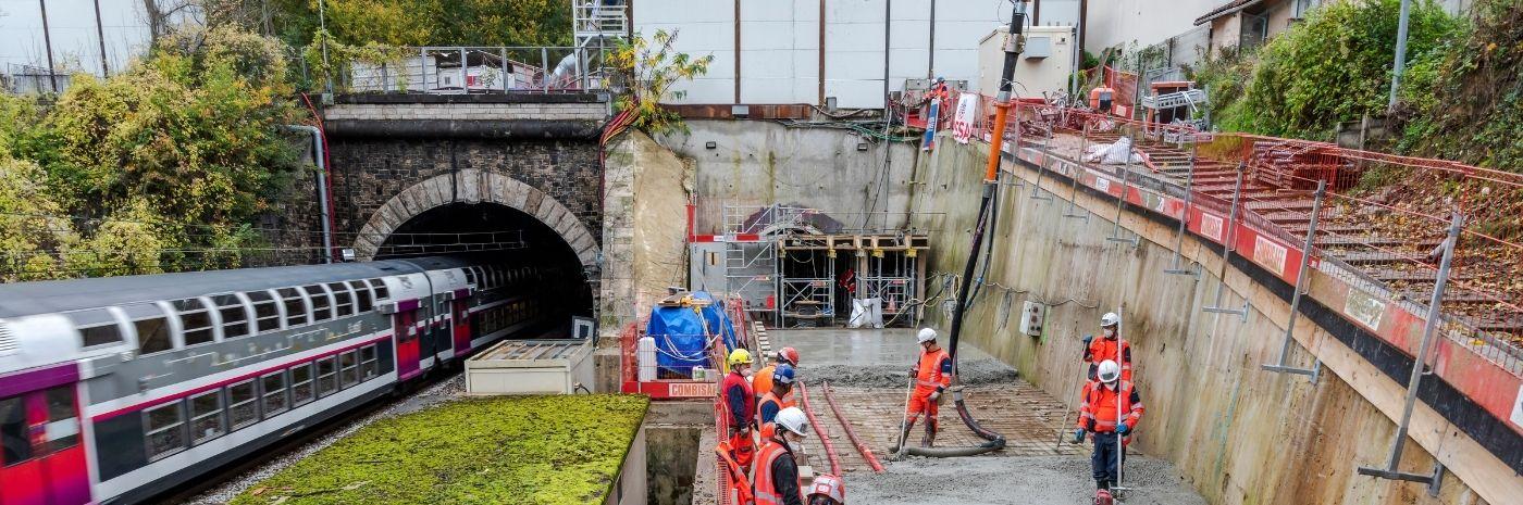 Bétonnage de l'entrée de la galerie d'évacuation du Tunnel de Meudon à Chaville le 02/11/2020