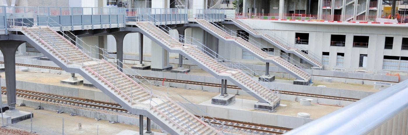 Vue sur les escaliers - Chantier du TOARC 5400 à La Défense