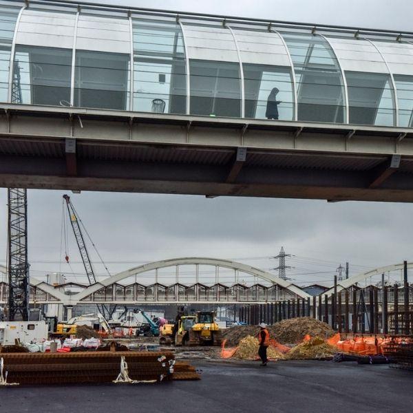 Passerelle au-dessus du chantier de la ligne 18 - Janvier 2021