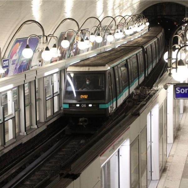 Vue sur les quais de la station Cité - Ligne 4 - OPAL 4 - Janvier 2021