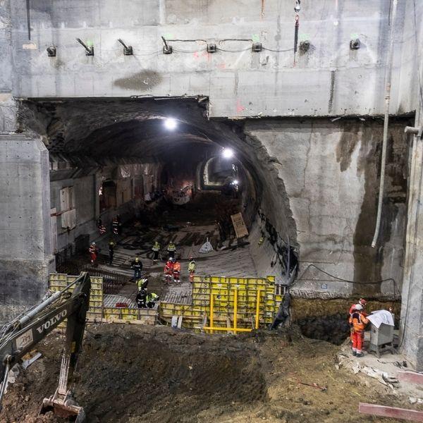 Tunnel dans la gare