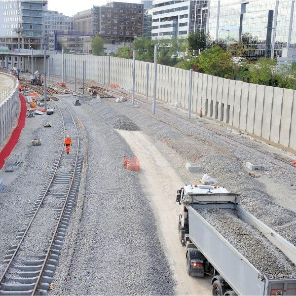 Vue sur les lignes de chemin de fer - Chantier du TOARC 5400 à La Défense Juillet 2020