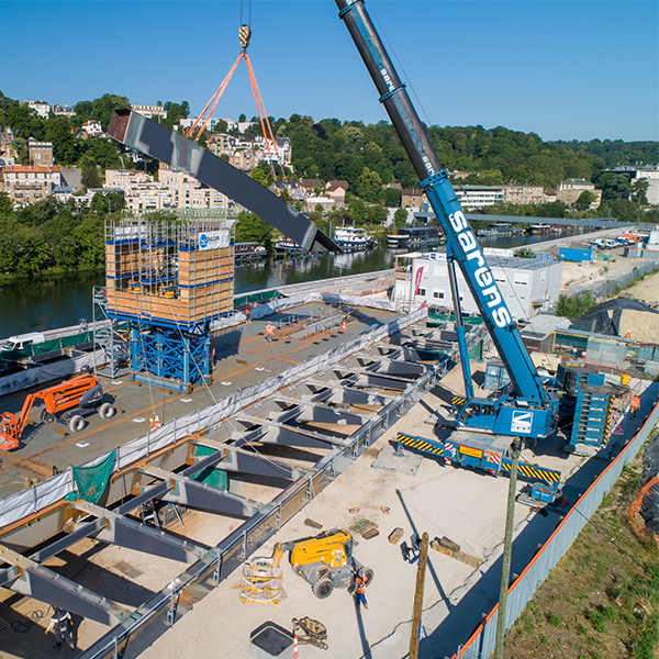 Pose des arches au chantier du Pont Seibert en juin 2021